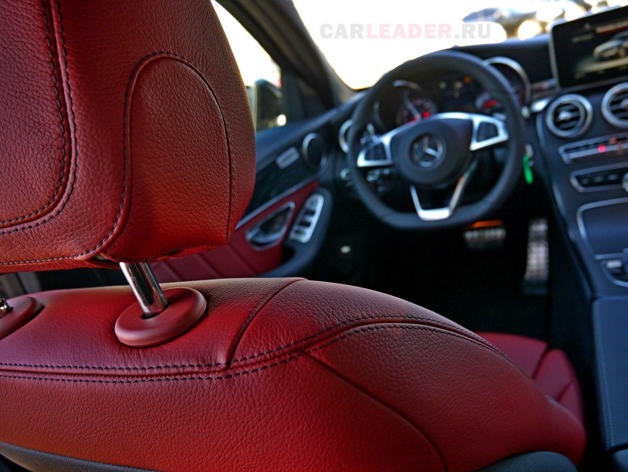 Ровная строчка кресла - очередное преимущество портных Mercedes-Benz перед BMW.