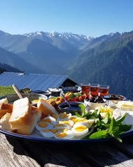 "Travel Vacations Nature on Instagram: ""Breakfast in @nature 😍👍🌈 Rize, Turkey. Video by 📽 @katya_karadeniz"""