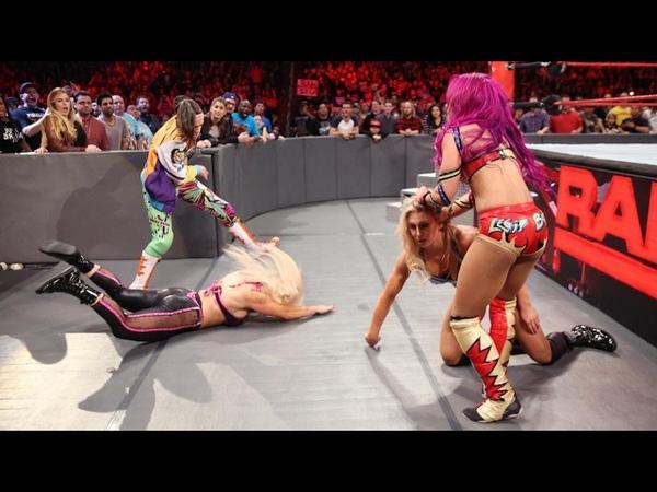 WWE Raw 02-20-17 Charlotte vs Sasha Banks