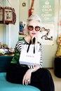 Линде Родин 68 лет. Она стилист, у нее своя косметическо-парфюмерная линия…