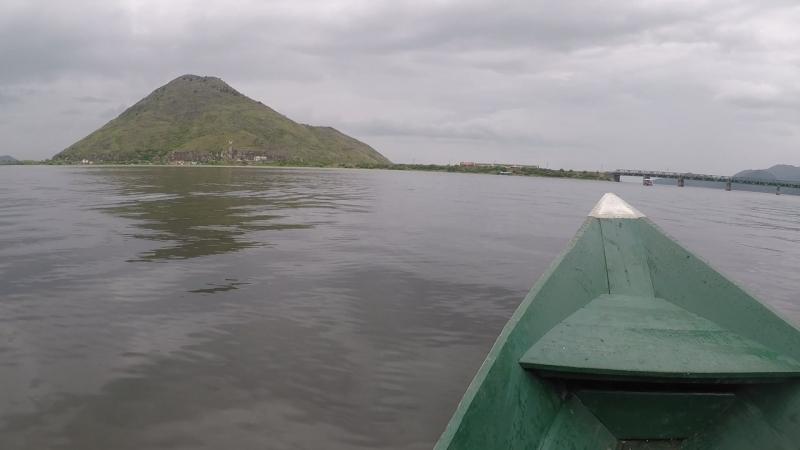 Серб в Черногории покатал по Скадарскому озеру.