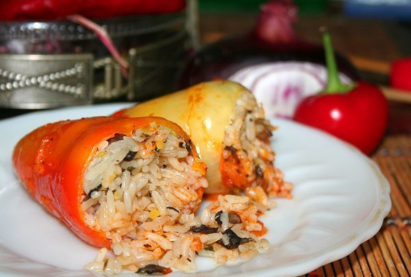 Блюдо из фарша и рисаы