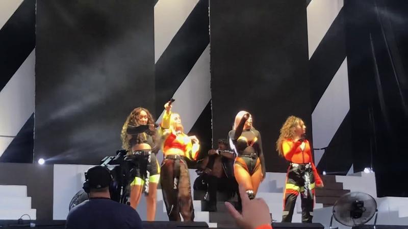 07.07.18 | Выступление с «How Ya Doin'?» в рамках «The Summer Hits Tour» (Суонси, Великобритания)