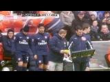 Arsene Wenger taking Andrei Arshavins headgear off