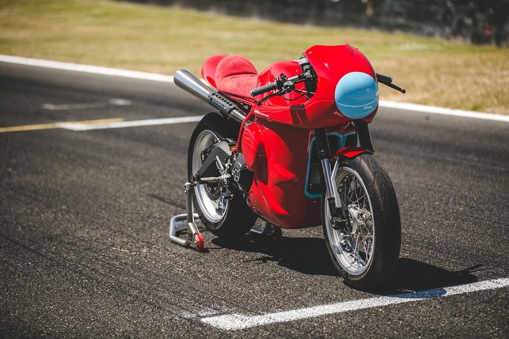 deBolex Engineering: гоночный кастом Scrambler Ducati Red Hot