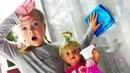 ЛЕРА КАК МАМА и КУКЛА БЕБИ БОН убирают в ДОМЕ. ПАПА и МАРК не хотят помогать. Видео для детей kids