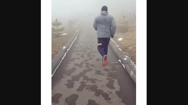 Сегодня пройдено около ДЕСЯТИ километров быстрым шагом🚶♂️🚶♀️ Итог 😊Появился лёгкий румянец на щеках 💃Отличное настроение 💪Тон