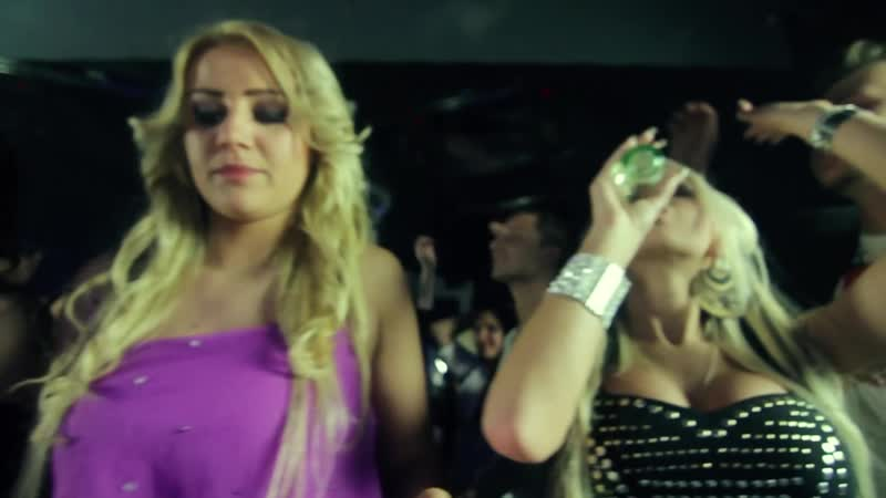 DJ E-Maxx vs_ DJ Phibe - Partyqueen (Official Video) HD (1080p)