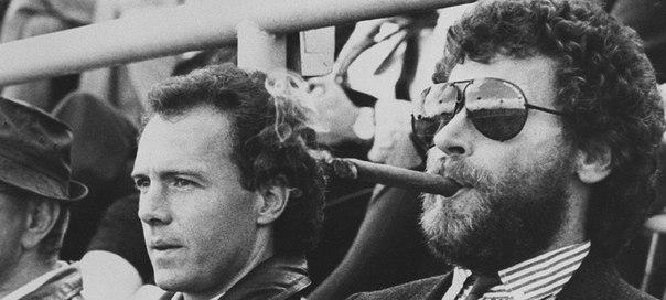 беккенбауэр и брайтнер с сигарой