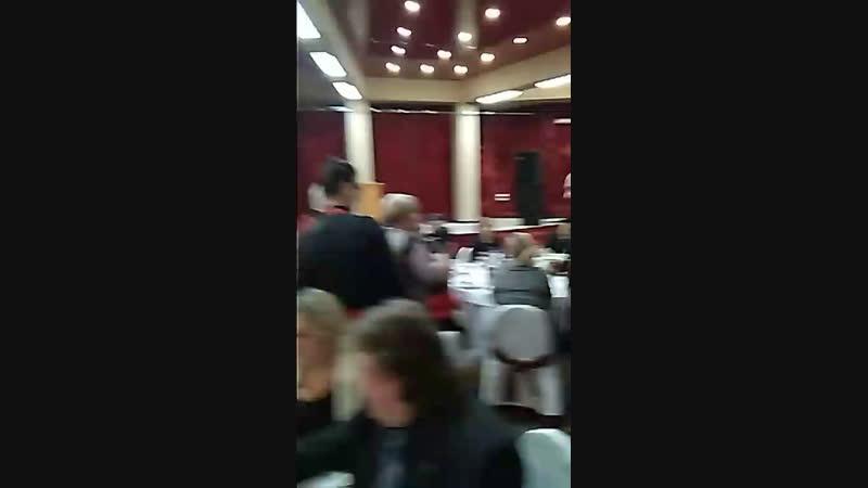 Празднование заключительного дня Китайского Нового года в Большом ресторане Цинь