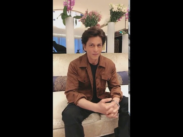 Shah Rukh Khan LIVE chat with fans in China