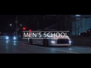 Nissan GT-R. Men`s School