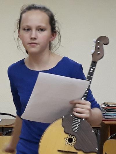 Поля Шестухина