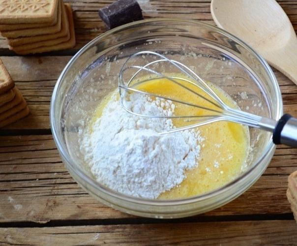 Тopт из печeнья с заваpным кpeмом