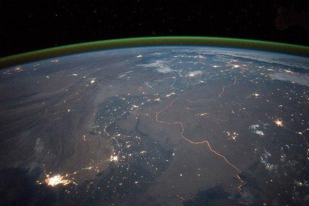 Ночные огни городов на границе между Индией и Пакистаном