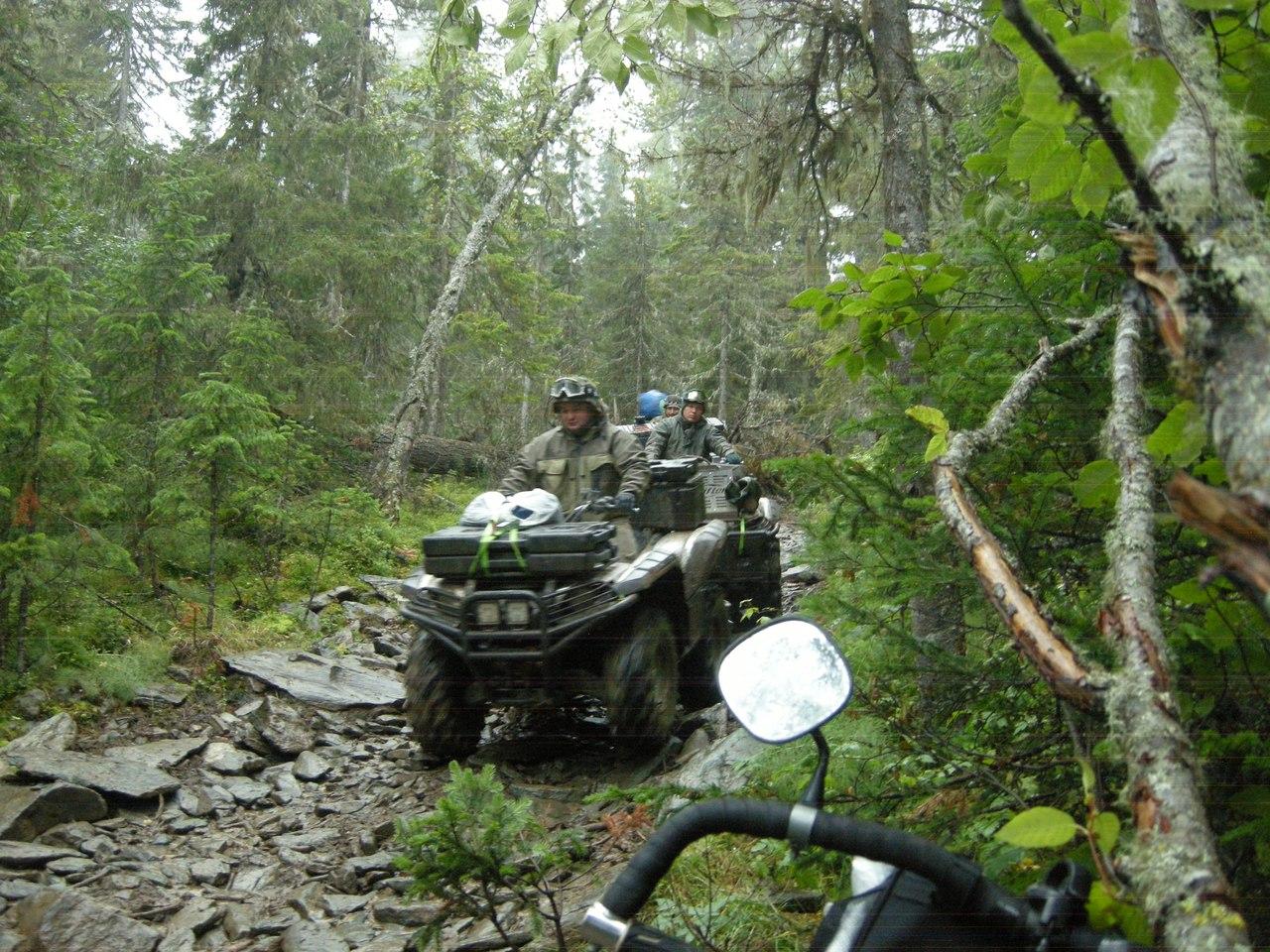 T9gPgsaVhAI.jpg