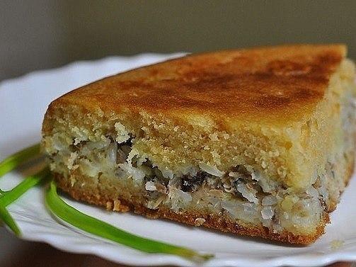 Пирог с консервированной сайрой Ингредиенты: Консервированная сайра — 2