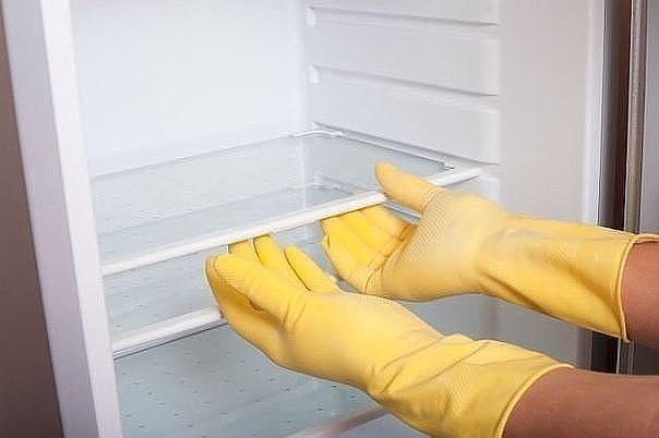 Как и чем мыть холодильник