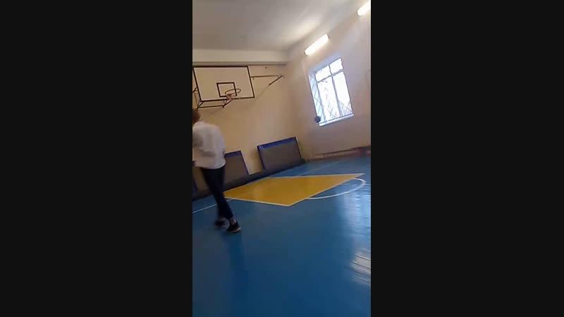 Баскетбол на физ-ре (ಡωಡ)hiahiahia