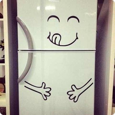Прожорливый холодильник!)