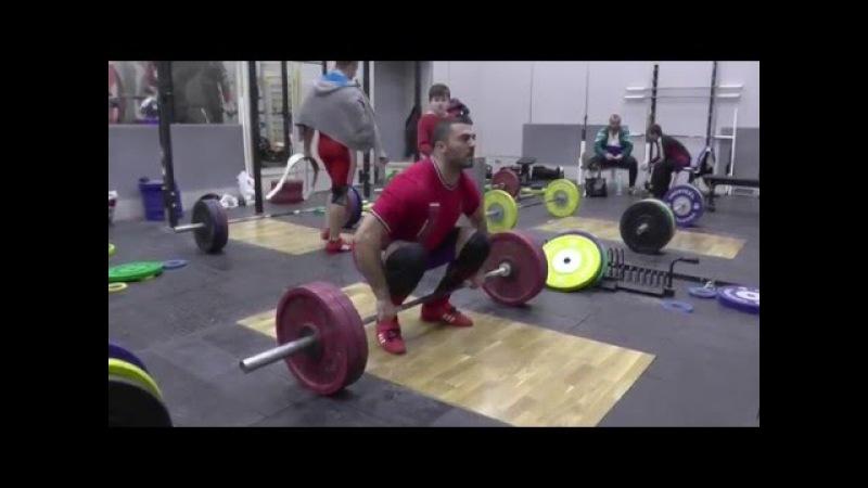 МолодыеВетераны (masters М35-39лет)рекорд России 211кг.YRR