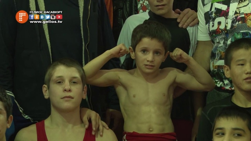 8-летний силач из Хасавюрта
