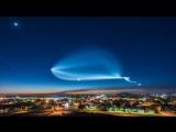 Потрясающий таймлапс полета ракеты-носителя Falcon 9 в небе над городом Юма, штат Аризона