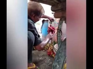 Самые спелые фрукты, покупайте!