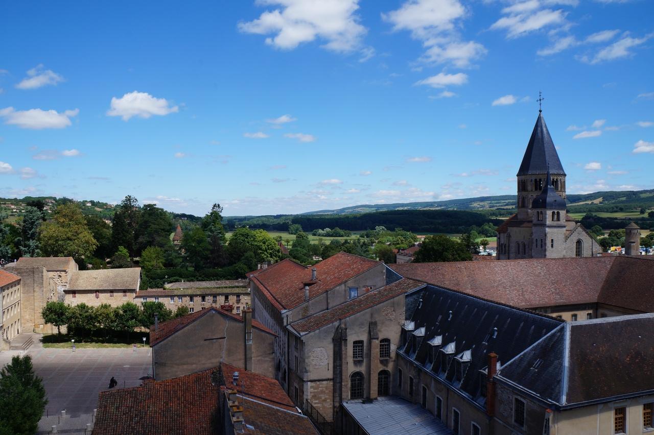 Клюни - главное аббатство Франции
