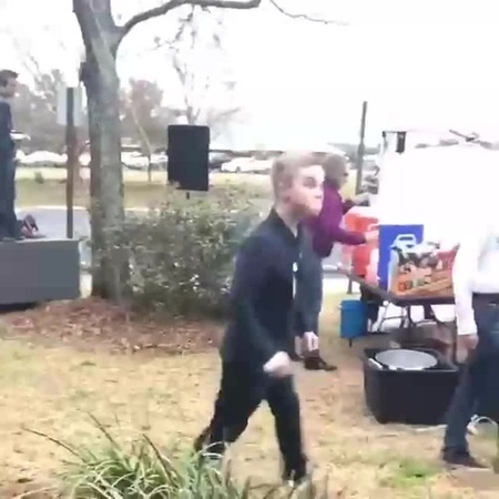 Танцуй под Бузову, тряси своими арбузами!
