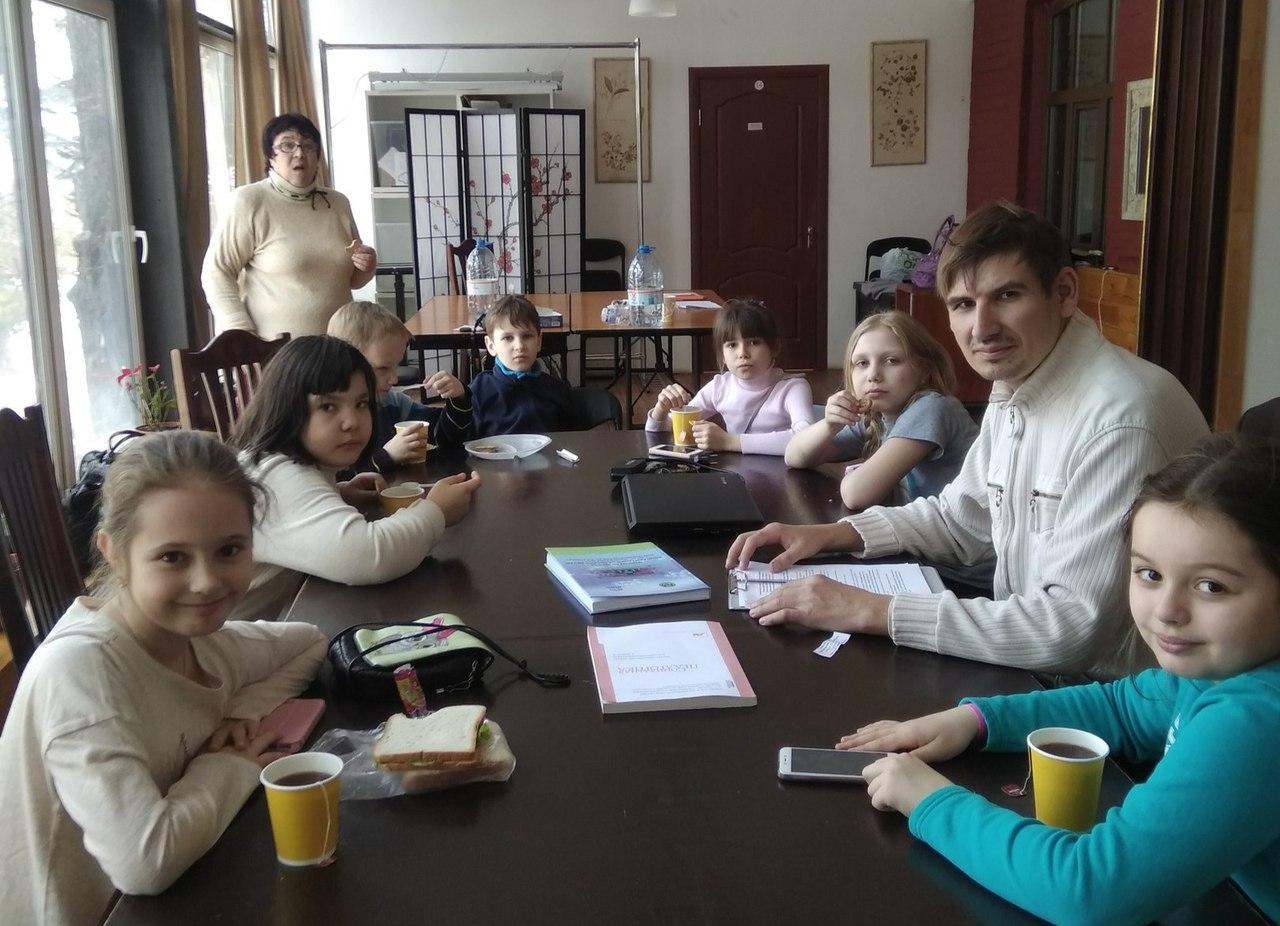 воспитанники ГТД Московия в Аптекарском огороде