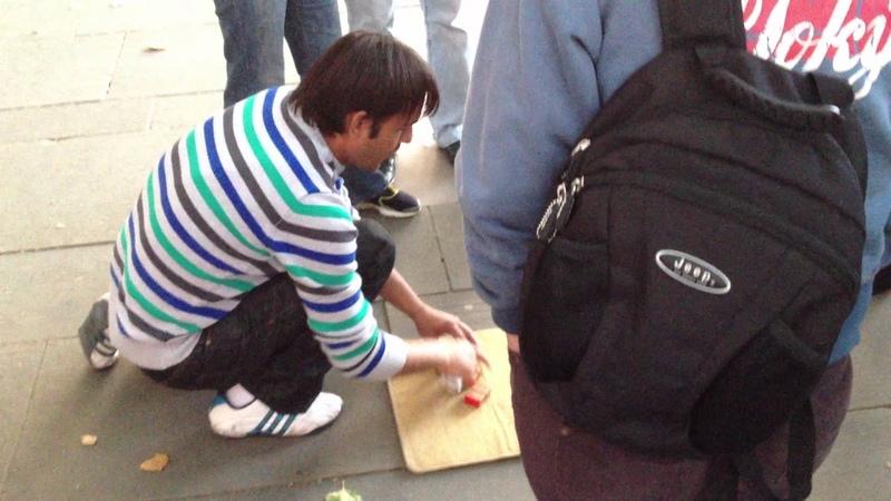 Street Gamble Scam in Queen walk London bridge