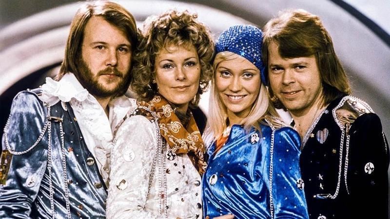 ABBA . Dancing Queen (1976)