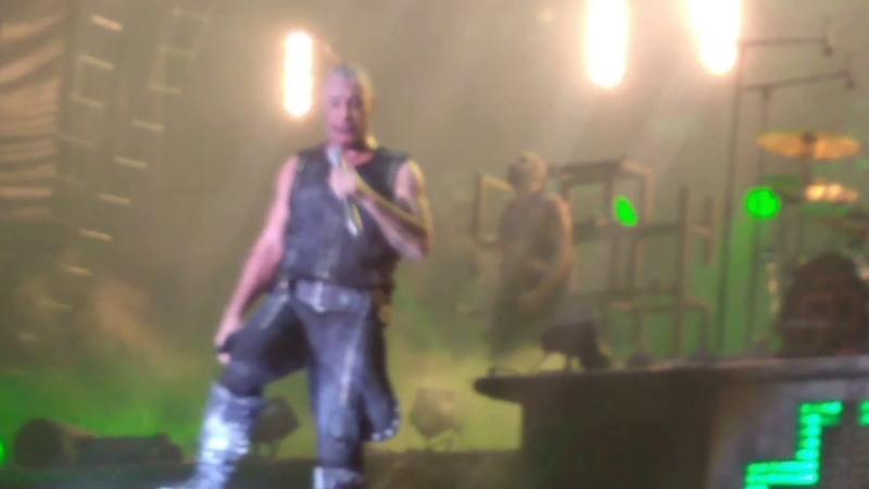 Rammstein (concierto en Puerto Vallarta con Cuphead y Mugman)