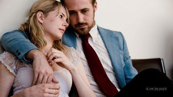 """Я давно понял, чем девушка красивее, тем больше у нее сдвиг по фазе. У тебя значит вообще не все дома.  """"Голубой Валентин"""""""