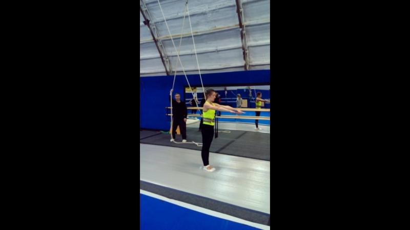 крутимфляки instagram coach_Khrapov Кувырок рондат сальто Стойкинаруках handtohand RocknRoll PartnerStunts trampolin