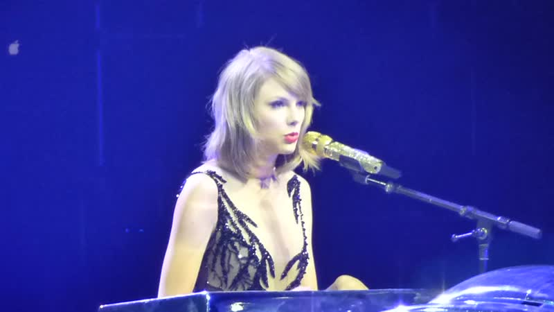 Taylor Swift Enchanted Wildest Dreams Mashup Live at The 1989 World Tour Cologne