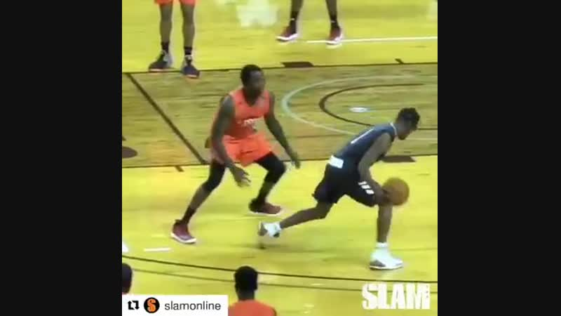 Travis Scott shows Meek Mill how to shoot a 3 pointer in Basketball game