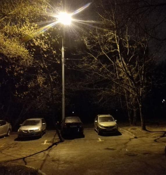 Во дворе на улице Лавочкина восстановили освещение