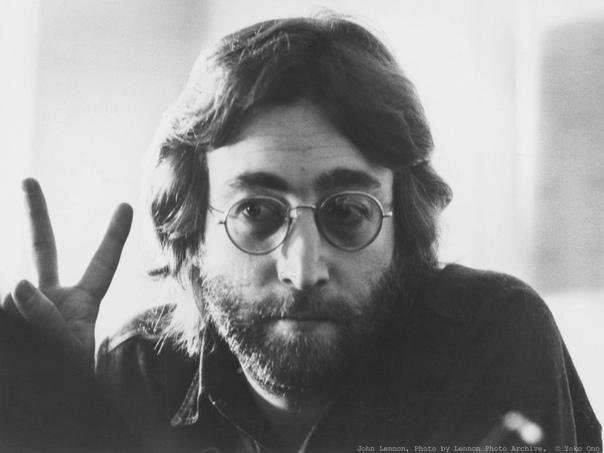 В своём интервью британскому телевидению Джон Леннон как-то сказал: Я думаю, что нашим обществом руководят сумасшедшие люди, преследующие сумасшедшие цели. Мне кажется, что я понимал это, ещё