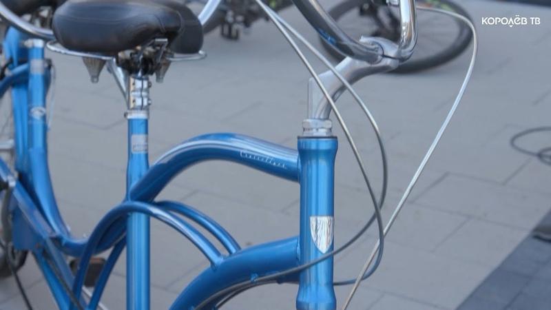 На работу на велосипеде отправились сегодня многие сотрудники градообразующих предприятий