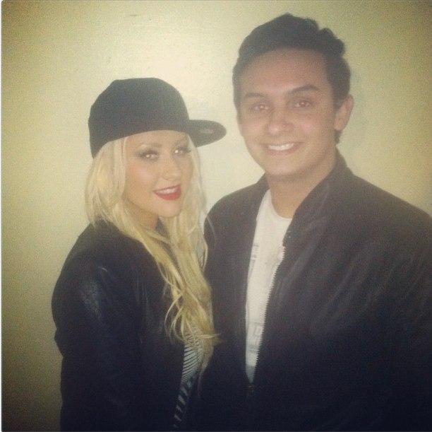 [Fotos] Christina Aguilera asistió al concierto de Rihanna esta noche (8/4/2013) 0q8BKYIAXeY