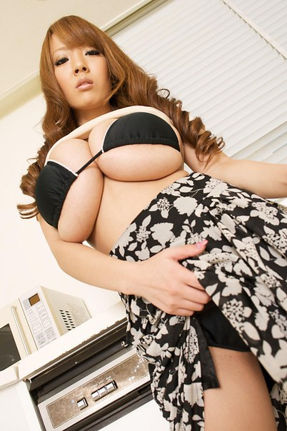Хитоми танака дебют в порно 7 фотография