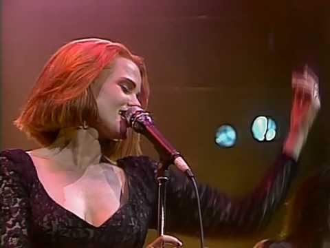 Belinda Carlisle - Heaven Is A Place On Earth (Runaway Horses Tour 90)
