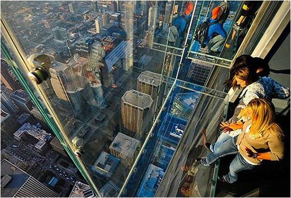 The Ledge: стеклянная смотровая площадка Уиллис-Тауэр на 103 этаже