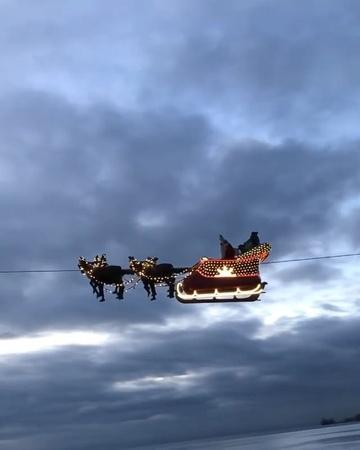 """Горящие туры. Путешествия on Instagram """"Рождество и Новый год уже близко!😉🎄🎅🏼✨⭐️ На Новый год остаётся всё меньше классных путешествий!😔 А вы уже ..."""