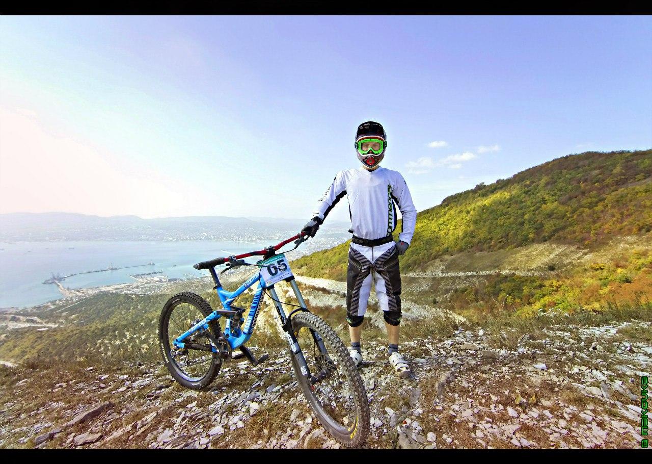 Спортсмены, велосипедист, беговые лыжи