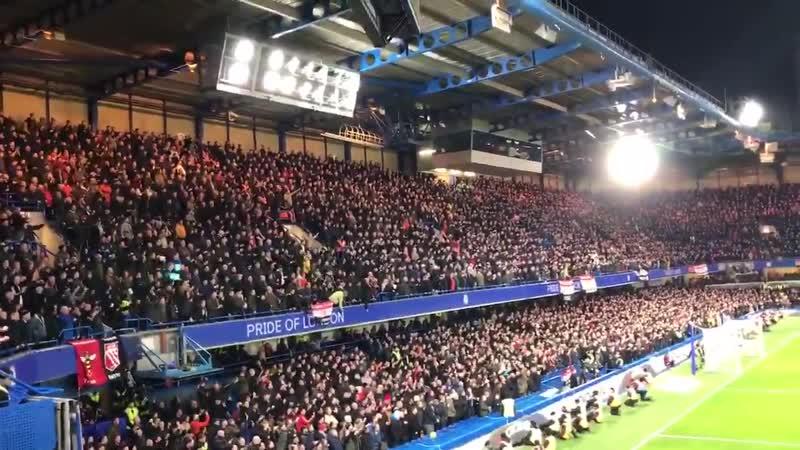 6,000 Manchester United fans at Stamford Bridge