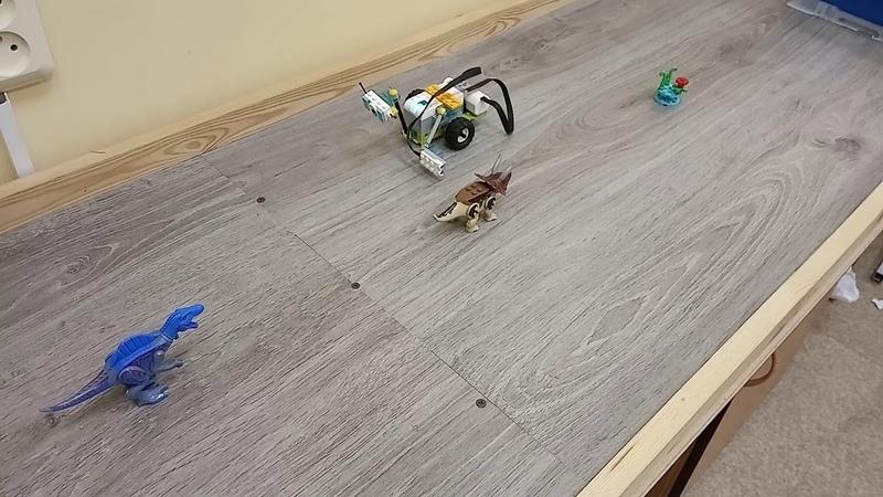 Детский центр робототехники Умник Майло нашел динозавров