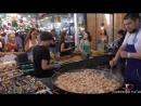 Огромные кастрюли для приготовления огромных доз рыбы Киев Уличная Еда Украина Huge Pans Cooking Huge Doses of Fish Kiev Stre